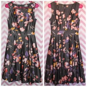 H&M Pretty Floral Pleated Dress Size 6